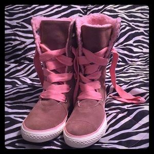 NWOT High top converse suede sneaker boot